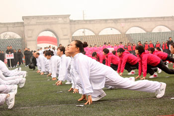 Только люди, долго и серьезно практикующие цигун или йогу, могут поддерживать состояние организма на «уровне здоровья» до глубокой старости