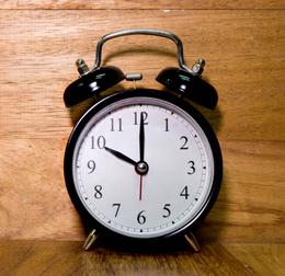 Если ложиться в 10 часов, у организма остается 2-2.5 часа на производство свежей крови. В этом случае уровень крови начинает повышаться.