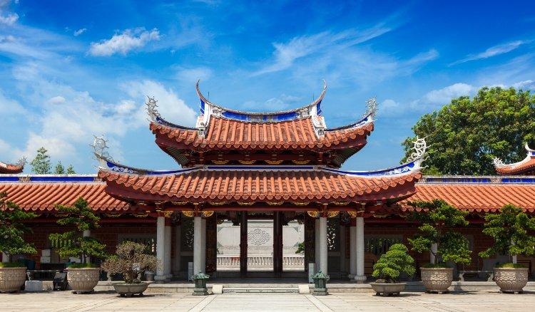 Китайская Гимнастика Цигун «Восемь Отрезов Парчи»